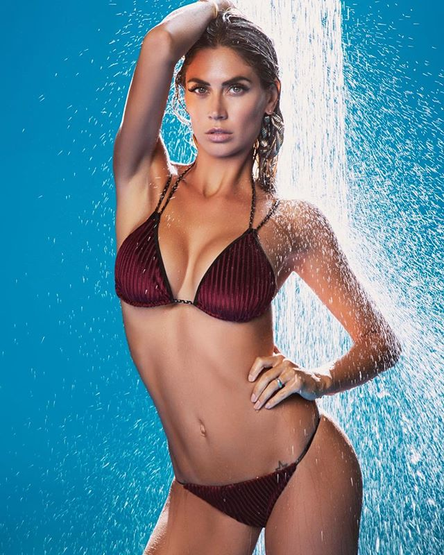 melissa satta hot bikini bagnata