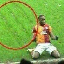 tera gamba calciatore meme